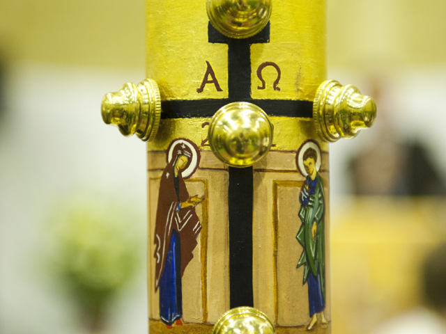 Easter-Vigil-with-Neocatechumenal-Community-The-Paschal-Candle